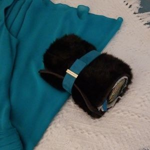 STEPHANIE JOHNSON FAUX FUR CLUTCH/OVERNIGHT NWT